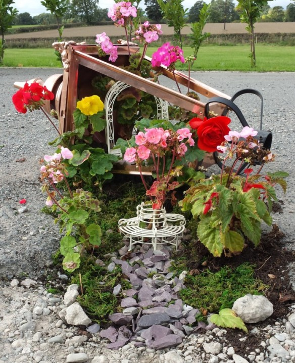 pothole garden by Garden Lamp Post company